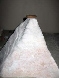 <p> <em>LE MONT SINAI, Albâtre italien stone</em></p>